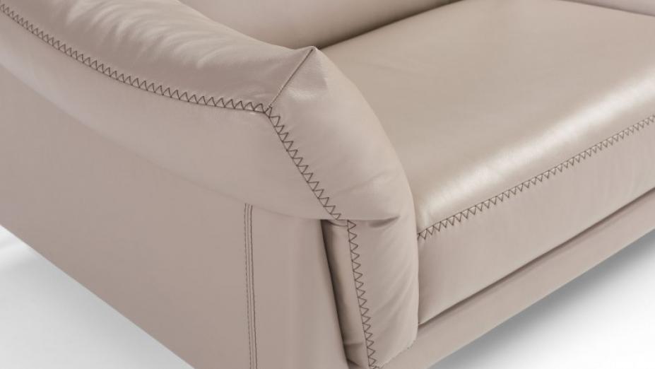 detail sedačky.jpg