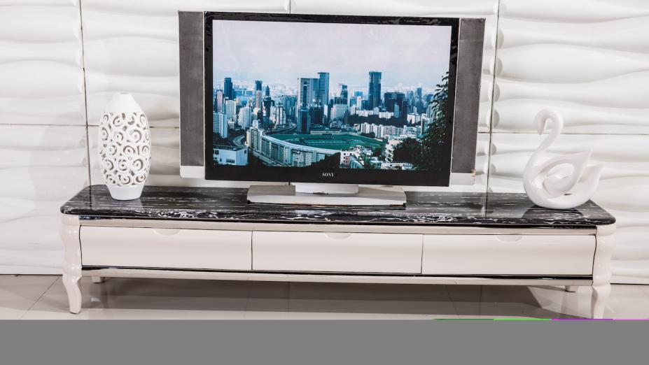 TV stolík s čienym mramorom.jpg