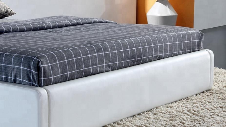 Predok postele.jpg