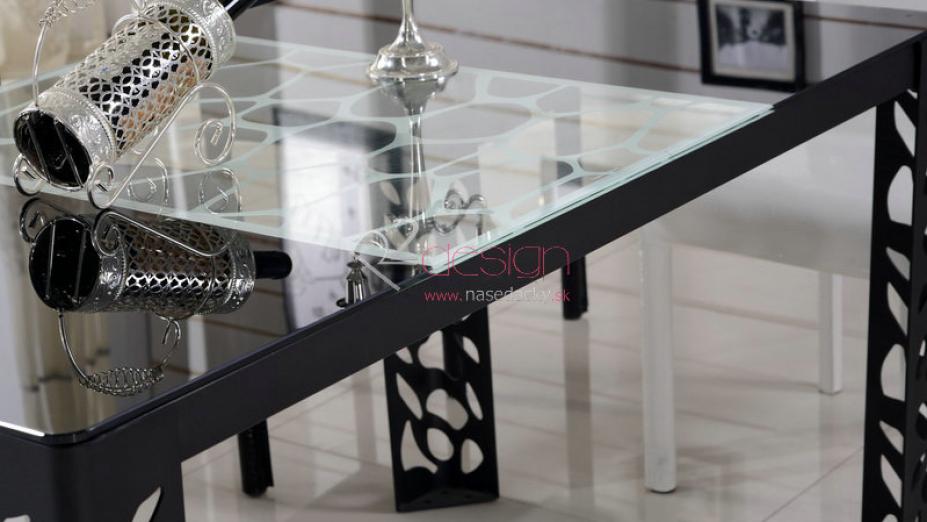 Čierny exkluzívny stôl.jpg