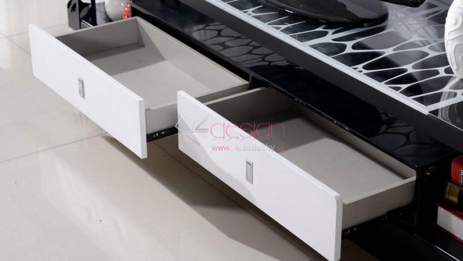 Detail šuflíkov TV stolíka.jpg