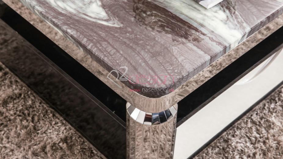 Detail rohu stolíka.jpg