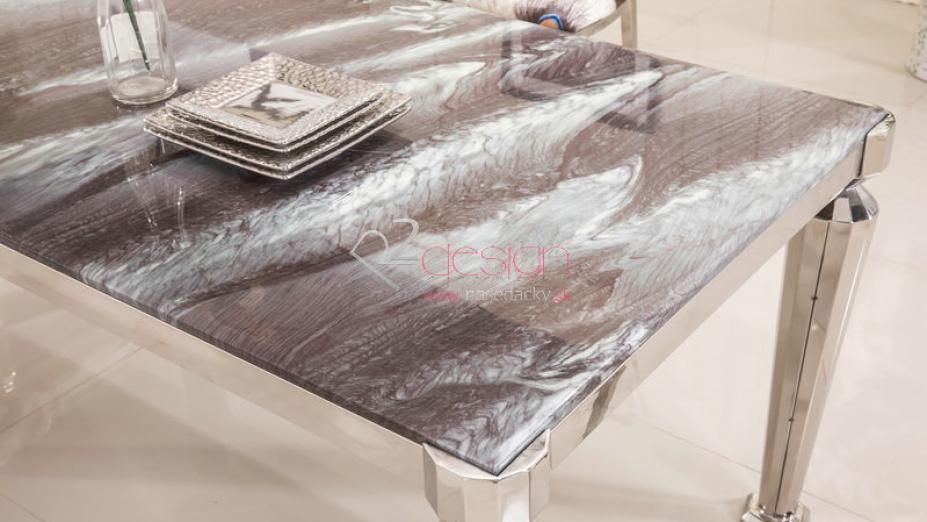 Jedálenský mramorový stôl.jpg