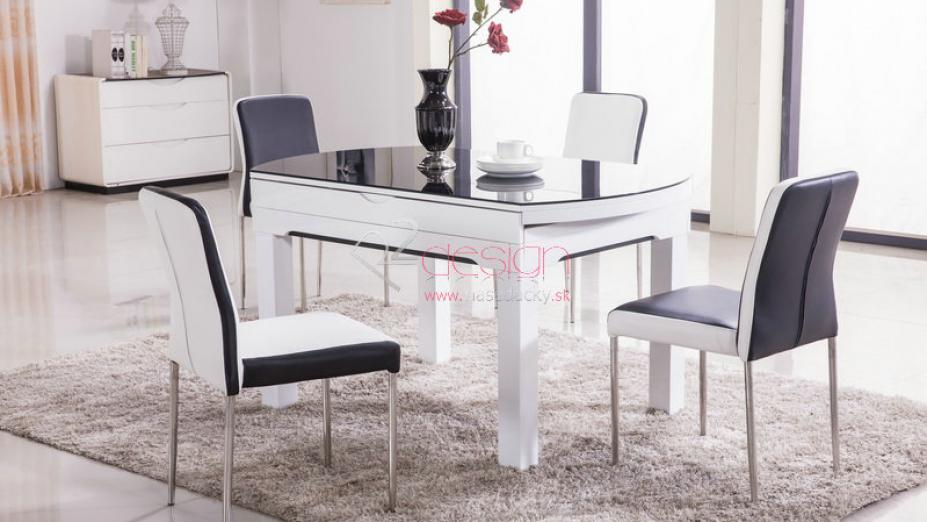 Biely jedálenský stôl.jpg