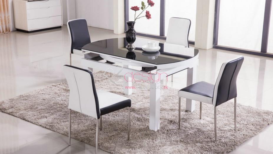Jedálenský stôl so sklom.jpg