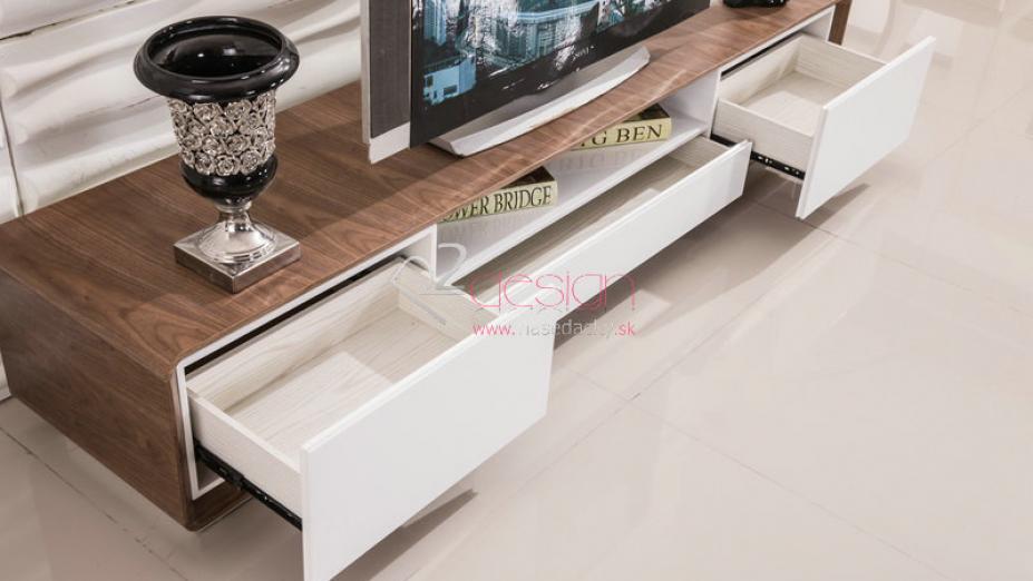 Dýhovaný TV stolík.jpg