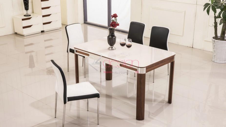 Jedálenský stôl.jpg