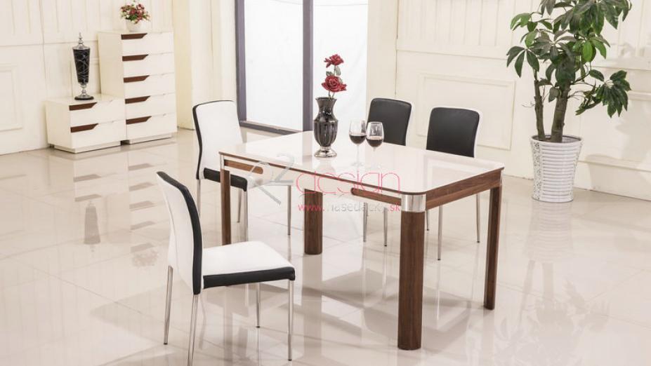 Luxusný stôl so stoličkami.jpg