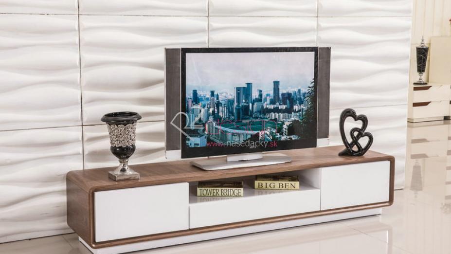 TV stolík s dýhou.jpg