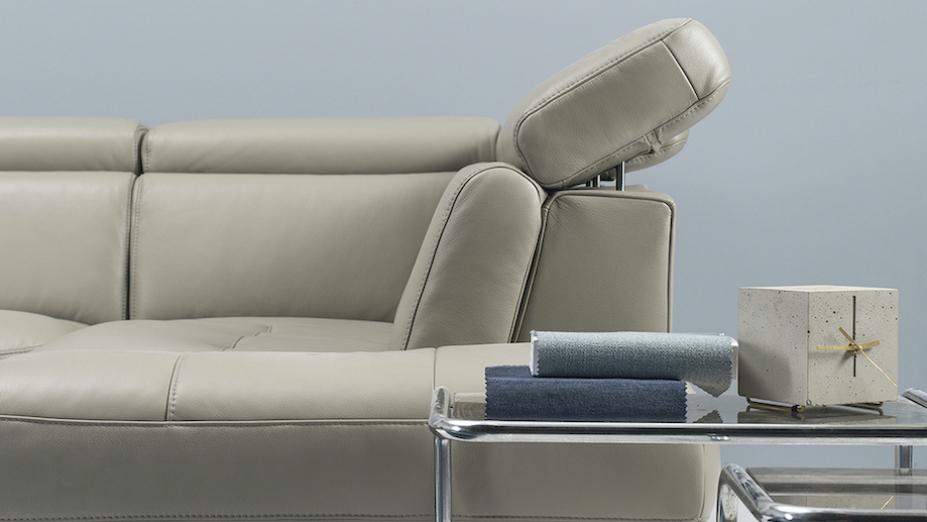 Detail koženej sedačky.jpg