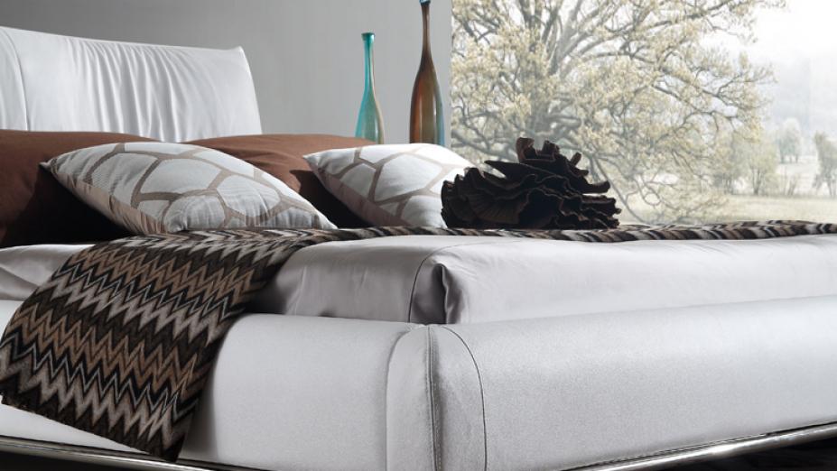 luxusna-postel-z-koze.jpg