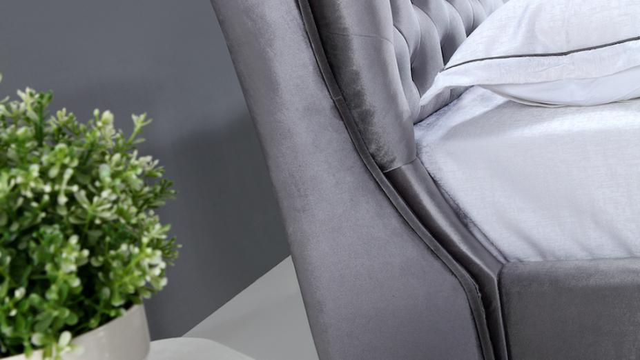 postel-z-boku.jpg