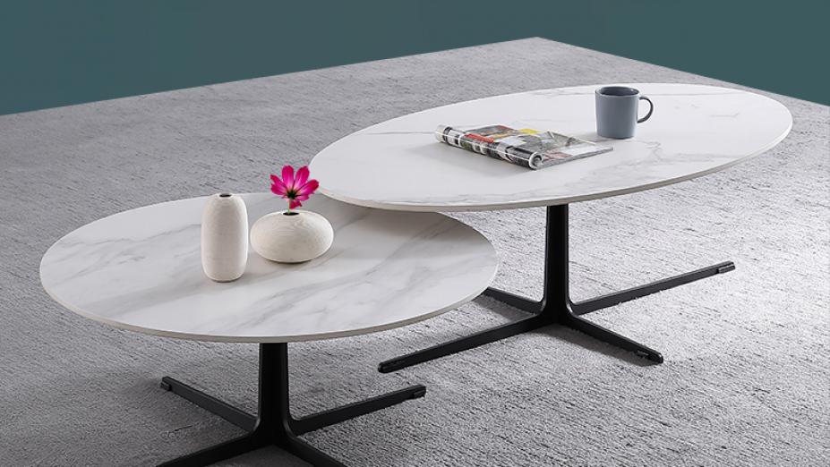 sada-bielych-stolov.jpg