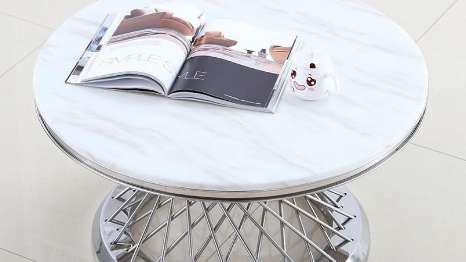 biely-mramorovy-stol.jpg