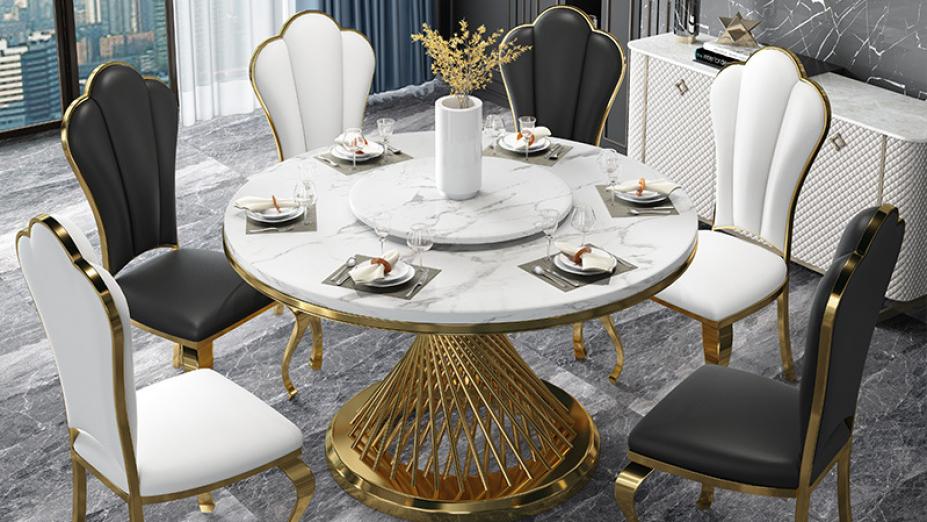 zlaty-jedalensky-stol.jpg