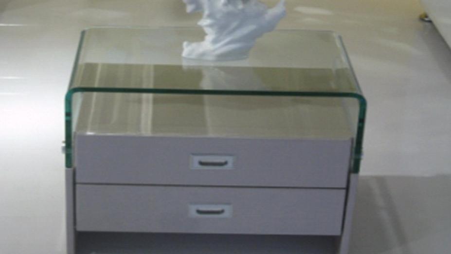 R2D01 elegantný stolík