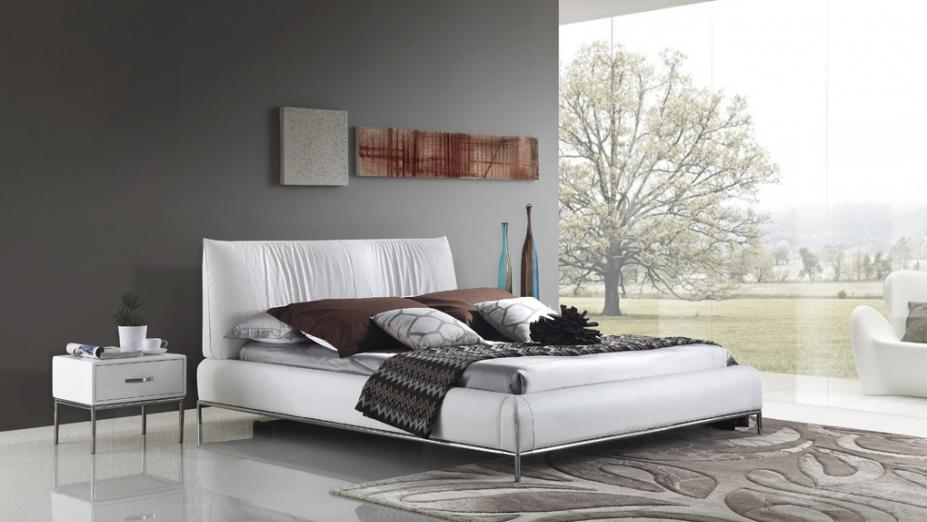 R2D1301 kožená posteľ