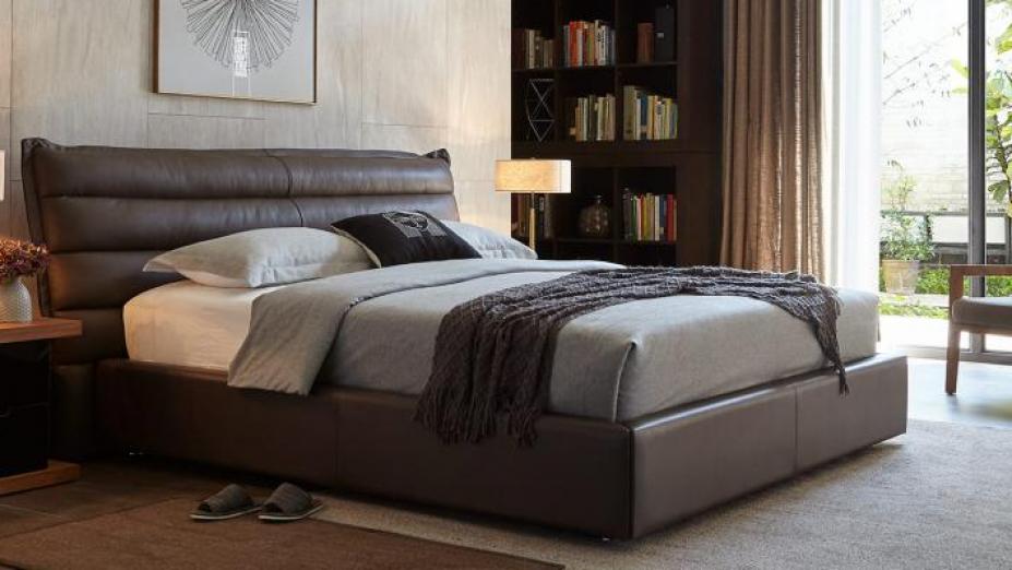 R2D1305 luxusná posteľ
